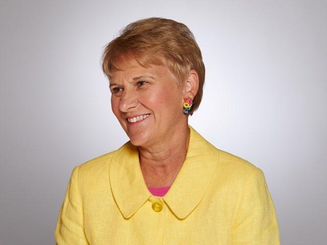 Staff Lynne Black Grid